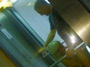 Bonne pipe dans l'ascenseur