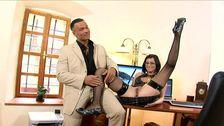 Séduction entre un patron et sa secrétaire